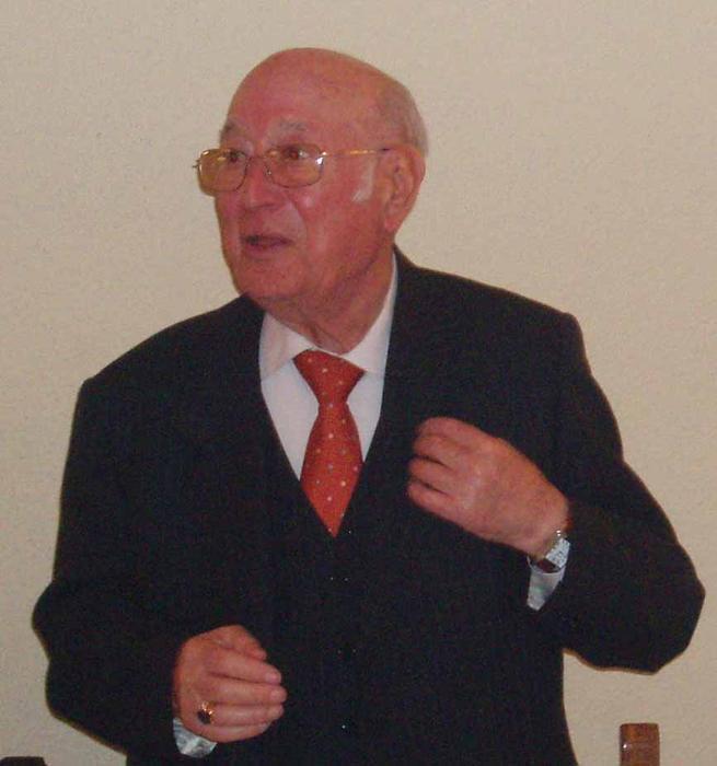 Fallece el compositor y músico Adolfo Larraz, director de la banda municipal de Quintanar de 1987 a 1991
