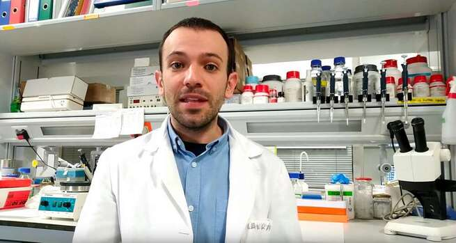 """Científicos del CSIC en el IES Modesto Navarro de La Solana: """"El virus es una 'oportunidad'"""""""