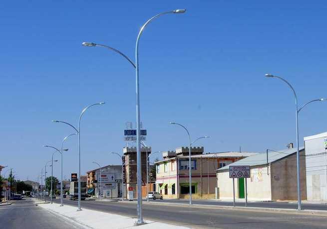 Más de 1000 farolas antiguas pasarán a tecnología Led en Miguel Esteban