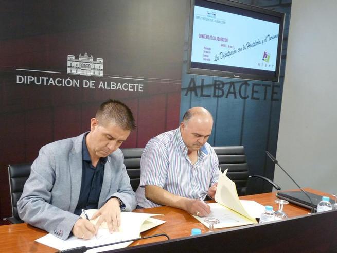 Imagen: Convenio de colaboración entre la Diputación de Albacete y la Apeth para el desarrollo del sector hostelero en la provincia