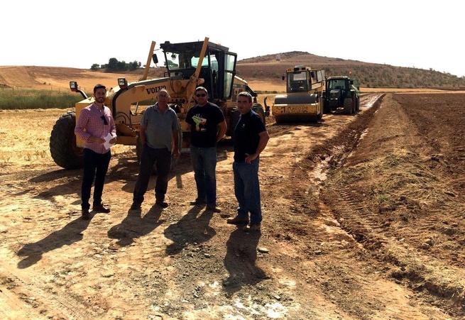 Imagen: El Ayuntamiento de Calzada de Calatrava invierte más de 100.000 euros en la mejora de más de 30 kilómetros de caminos rurales