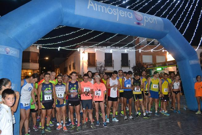 Unos 250 corredores participaron en la VIII Carrera Popular 'Los Charcones' de Miguel Esteban