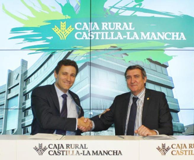 Imagen: Más de cien farmacéuticos ciudadrealeños podrán acogerse a la financiación de Caja Rural CLM para su federación empresarial