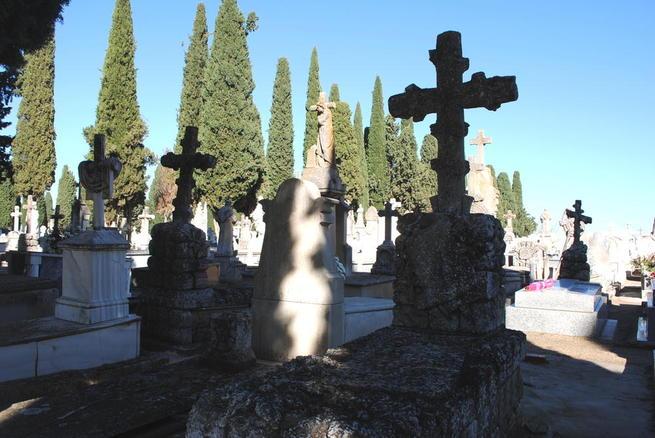 imagen de Valdepeñas organiza rutas turísticas sobre la cultura funeraria en el mes de Todos los Santos