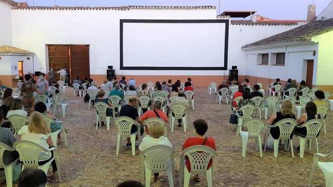 El cine de verano de Manzanares, un ejemplo de dinamización cultural con todas las garantías