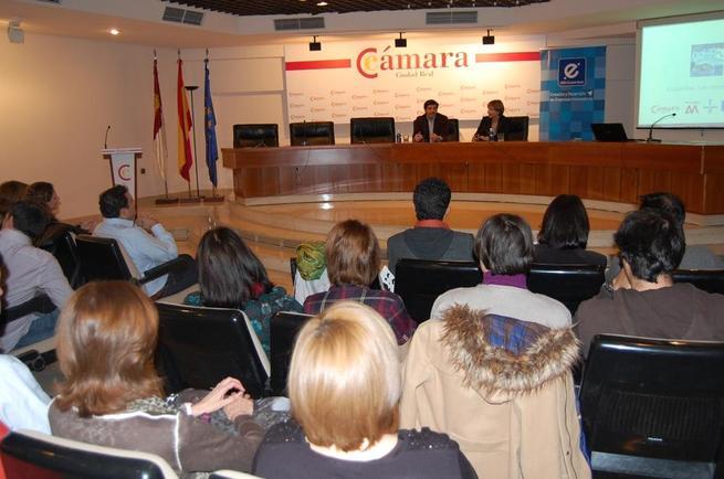 Imagen: La Cámara de Comercio y CEEI asesoran a emprendedores en la creación, implementación y viabilidad de sus proyectos