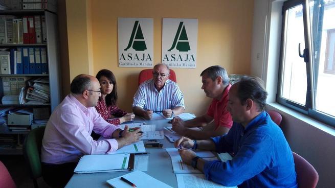Imagen:   El Comité Técnico de ASAJA CLM analiza la propuesta de modificación del PDR 2014-2020