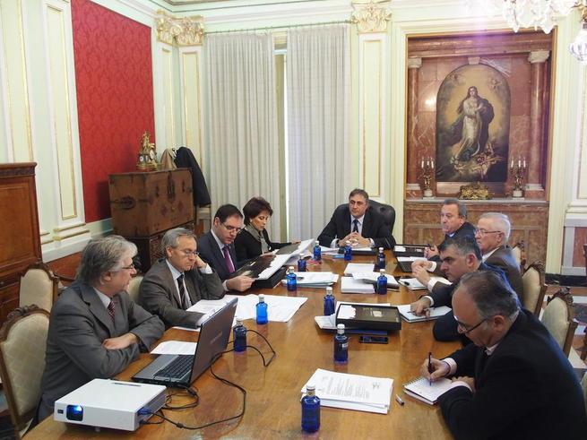 Imagen: Mariscal satisfecho tras la reunión del Consorcio Ciudad de Cuenca y el visto bueno a la imagen del XX° Aniversario