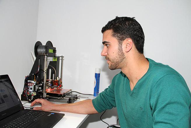 Imagen: Cristian Martínez en 3D, 'Impresiónate' en el Vivero de Empresas de Almonacid de Zorita