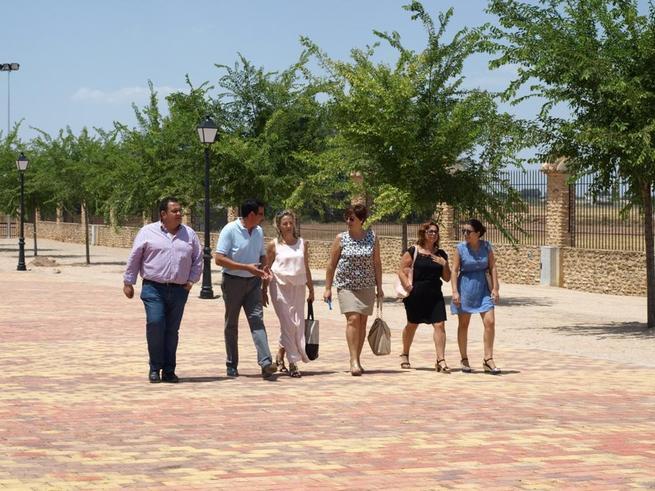 Imagen: Merino y Borja visitan las obras de acondicionamiento del Recinto Ferial de Membrilla que serán inauguradas en FERIMEL