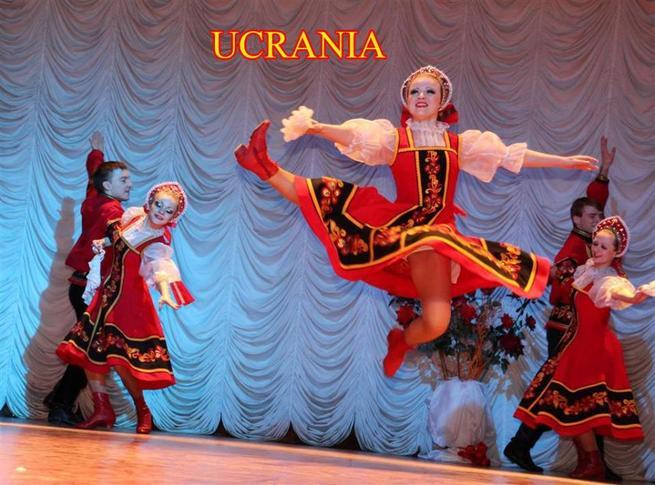 El folklore tradicional ucraniano se hace un hueco en 'Veranos en Cuenca' de manos del grupo Yunist Donbass