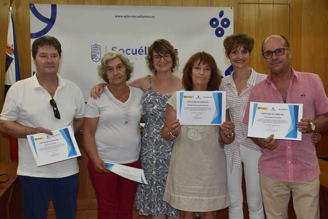 """Se entregan en Socuéllamos los diplomas a los participantes en el programa """"Garantía +55"""" de la Junta de Comunidades."""