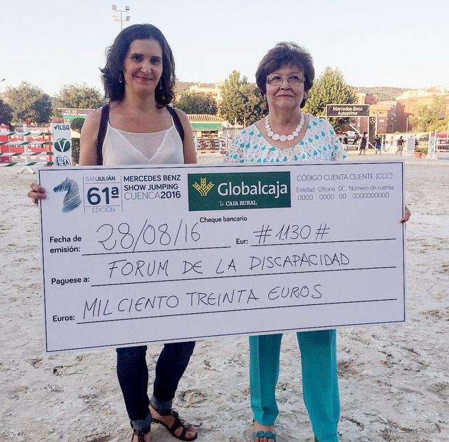 Globalcaja hace entrega del 'cheque solidario' al Fórum de Discapacidad de Cuenca