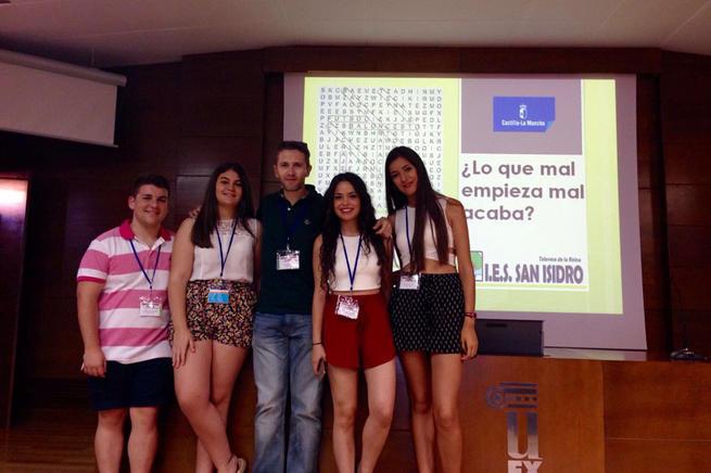 Imagen:  Preuniversitarios de Talavera ganan la fase nacional del concurso de estadística 'Incubadora de sondeos'