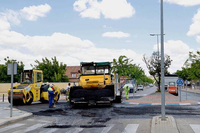 Adjudicada la 'Operación asfalto' para 15.000 metros cuadrados de calzadas del casco urbano y los polígonos de Azuqueca
