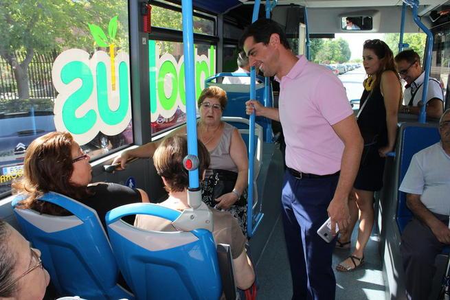 Imagen: Javier Cuenca asegura que las ampliaciones de las líneas B y D del autobús urbano de Albacete responden a las demandas de los ciudadanos