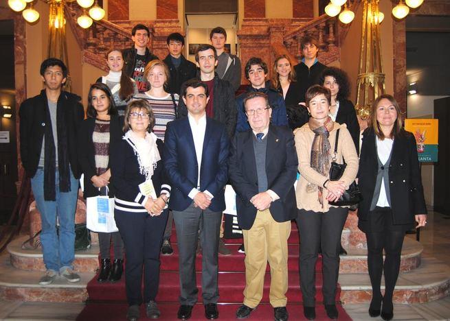 Imagen: Javier Cuenca reitera el compromiso del Ayuntamiento con 'Juventudes Musicales de Albacete' y con las jóvenes promesas del piano