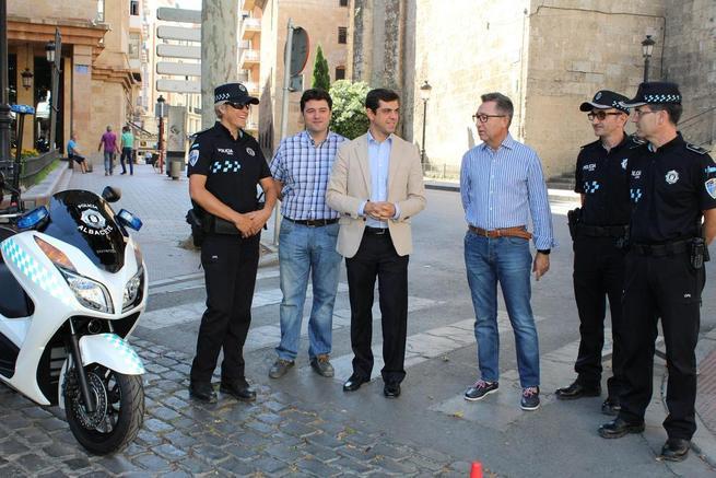 Imagen: Javier Cuenca asegura que las 16 motocicletas adquiridas para la Policía Local reforzarán la seguridad de Albacete y de los albaceteños