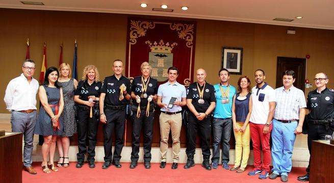 Imagen: Javier Cuenca felicita a la Policía Local de Albacete por su brillante participación en los VI Juegos Europeos de Policías y Bomberos