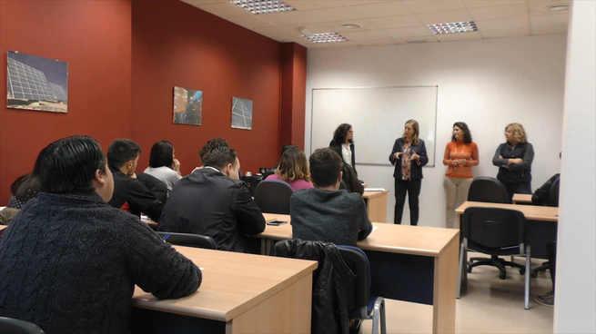 Pruden Medina y Mar Delgado visitan a los alumnos del III Curso del Programa PICE