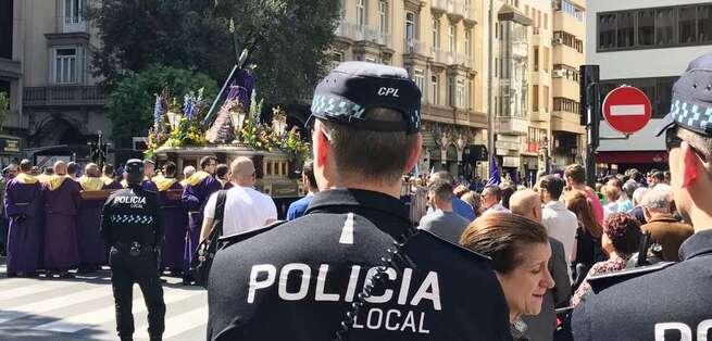 La Policía Local de Albacete pone en marcha un dispositivo especial de tráfico y seguridad para garantizar el buen desarrollo de las procesiones y actos de Semana Santa
