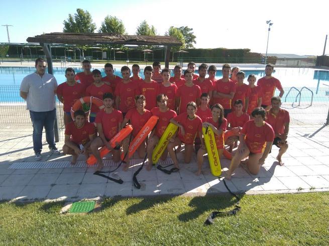 Imagen: Bargas clausura el curso de socorrismo acuatico 2016