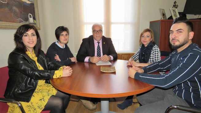 El Ayuntamiento de Manzanares brinda su apoyo a la nueva directiva de la Asociación de Hostelería