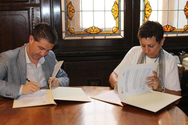 Imagen: La Diputación de Albacete aporta 15.000 euros a la investigación del cáncer de mama triple negativo