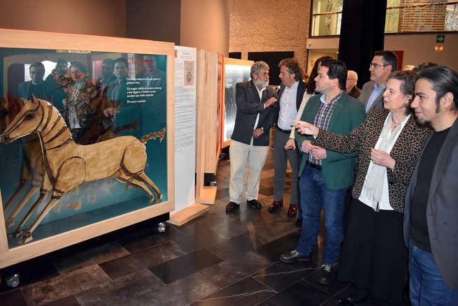 """Acción Cultural Española y Ayuntamiento de Ciudad Real rinden homenaje al autor del Quijote con """"16 personajes que maravillan y….Miguel de Cervantes"""""""
