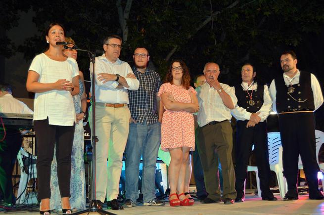 """Zamora invita a los vecinos de Los Ángeles """"a dejar las penas a un lado"""" y disfrutar de los días de fiesta"""