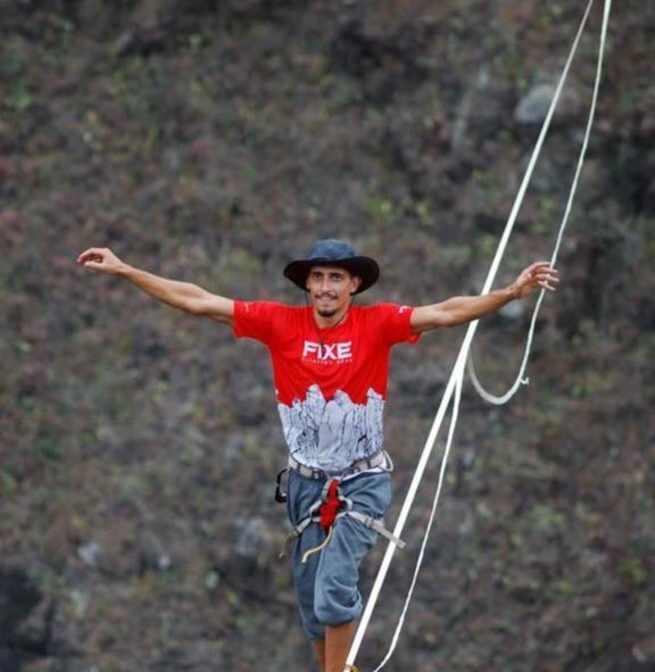 El joven canario Kevin Vega cruzará la Hoz del Huécar caminando por la cuerda floja