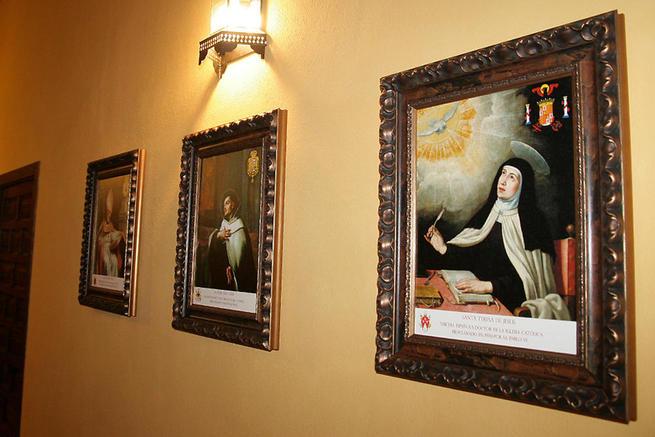 imagen de Donan retratos de los otros tres Doctores españoles de la Iglesia a la Casa Natal de San Juan de Ávila