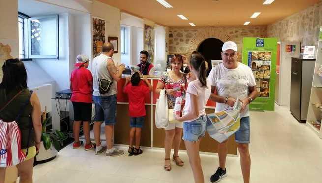Las Oficinas de Turismo de Toledo gestionadas por la Diputación registran más de 52.000 visitas durante el verano