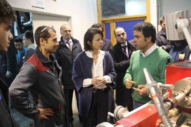 Imagen: Estévez pone en valor el acuerdo alcanzado entre Siemens y el IES Condestable Álvaro de Luna