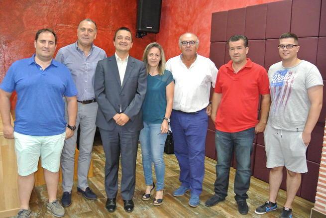 Imagen: El Gobierno de Castilla-La Mancha favorecerá proyectos concretos de jóvenes agricultores y mejora de porcino intensivo para el suministro de Incarlopsa