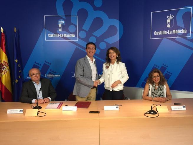 Imagen: El Gobierno regional ha pagado 11 millones de euros, del primer tramo del Servicio de Ayuda a Domicilio, al 91 por ciento de 675 ayuntamientos