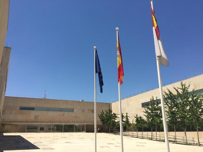 Castilla-La Mancha recupera la protección de la maternidad en el acceso a los puestos de trabajo docentes interinos