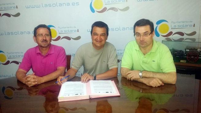El Gobierno de Castilla-La Mancha firma las resoluciones para que los Grupos de Desarrollo Rural puedan empezar a financiar proyectos de iniciativa privada