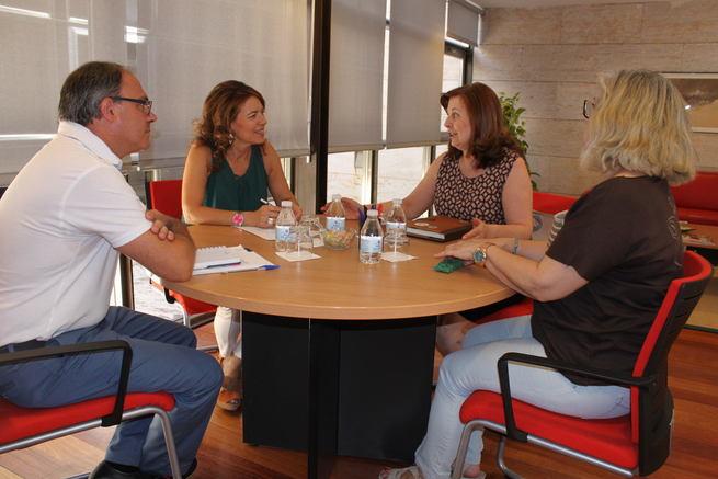 El Gobierno regional reconoce el trabajo de la asociación AFIBROVI en la mejora de la calidad de vida de las personas con fibromialgia en Castilla-La Mancha