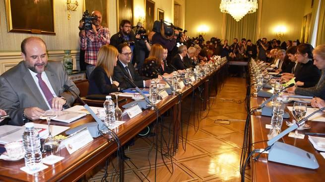 Castilla-La Mancha planteará en la Conferencia de Presidentes que las comunidades autónomas puedan hacer ofertas públicas de empleo más allá de la tasa de reposición