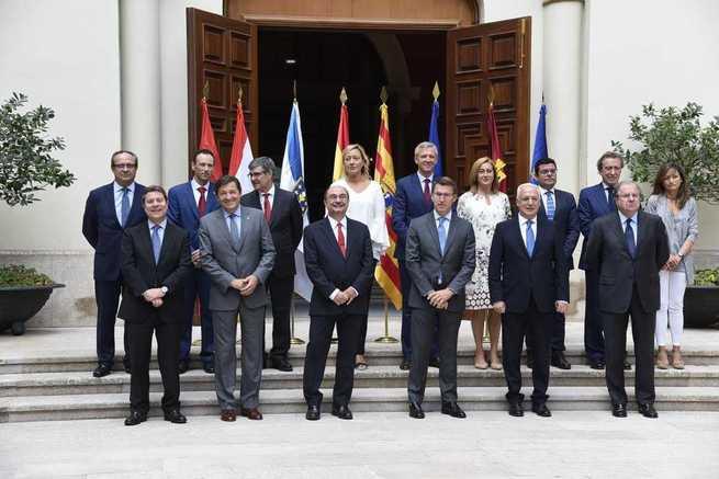 El presidente García-Page reclama un sistema de financiación que blinde el acceso igualitario a la educación, la sanidad y los servicios sociales