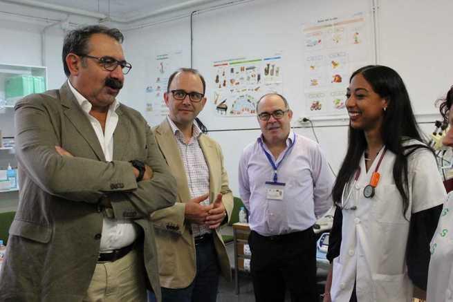 El Gobierno regional destaca la capacidad resolutiva del Puesto de Atención a Urgencias Médicas del SESCAM en la Feria de Albacete