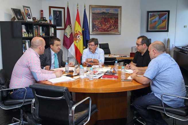 El Gobierno regional sintoniza con IU ante el documento de defensa del agua en Castilla-La Mancha para conseguir una voz única en la región