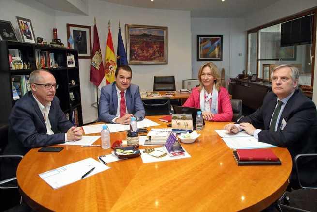 El Gobierno regional pide la colaboración al PP para que Castilla-La Mancha tenga una posición común en defensa del acceso al agua