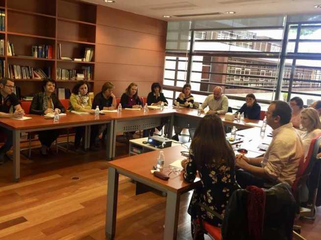El Gobierno de Castilla-La Mancha continúa los trabajos para actualizar el modelo de Acogimiento Familiar de menores