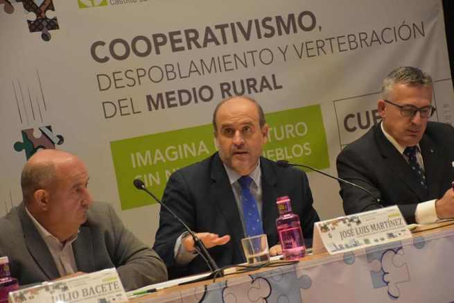 El Gobierno regional destaca el papel de las cooperativas agroalimentarias en el sostenimiento de nuestros pueblos