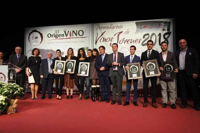 """El Gobierno regional apuesta por difundir los valores de la viticultura, una actividad """"ligada a la tierra"""" y que """"va a hacer que el futuro sea posible"""""""