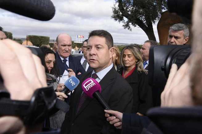 """García-Page: """"El presidente del Gobierno me ha trasladado su convencimiento de defender desde La Moncloa la Constitución"""""""