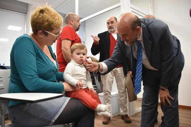 El Gobierno regional ha triplicado el presupuesto y los dispositivos de atención en los programas de Infancia y Familia en esta legislatura