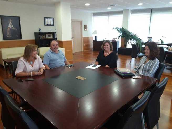 La consejera de Economía, Empresas y Empleo se reúne con el secretario regional de UGT en su ronda de encuentros con los agentes sociales